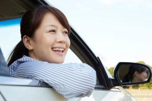 女性 ドライブ